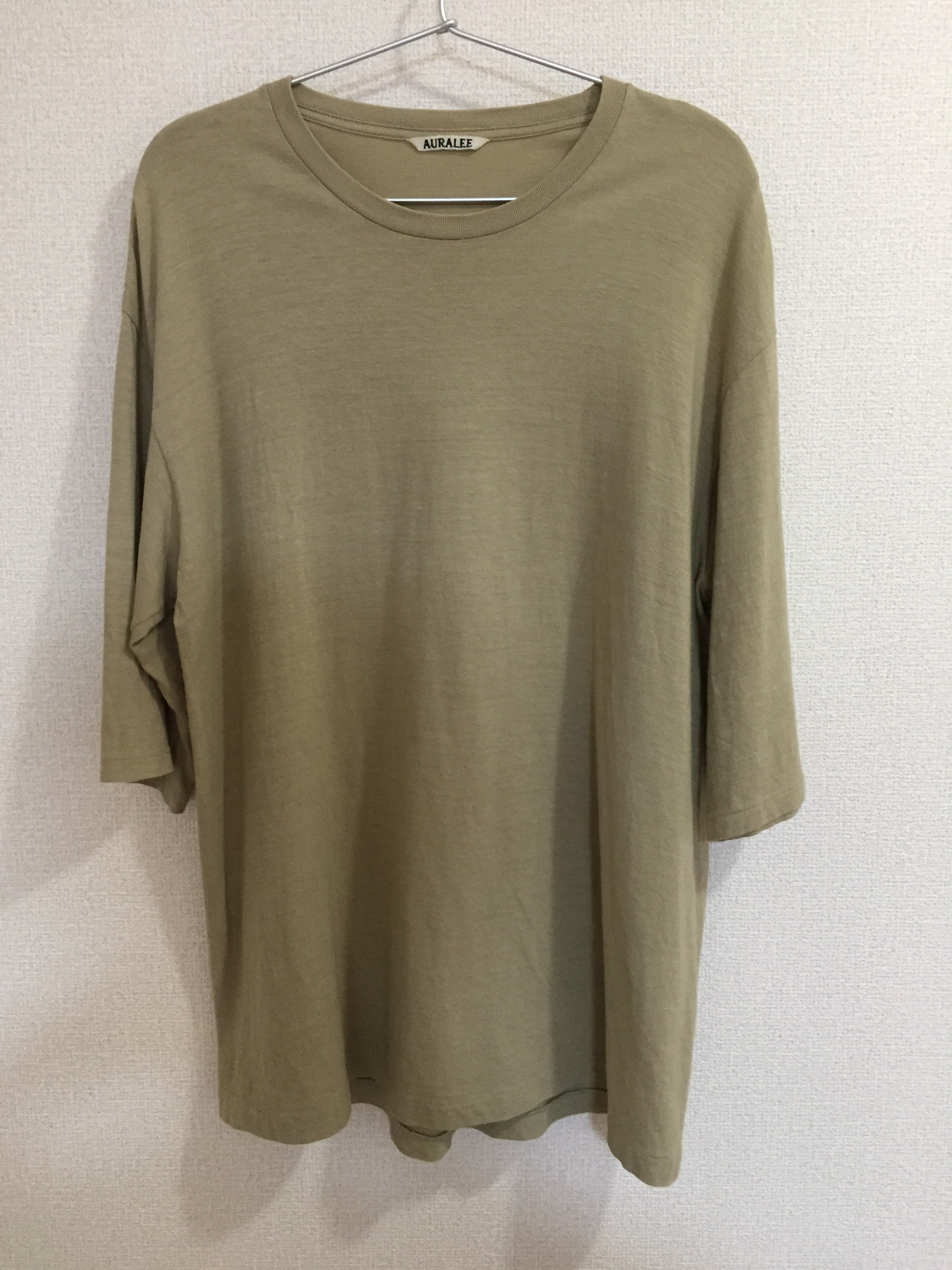 オーラリーのシームレスTシャツ
