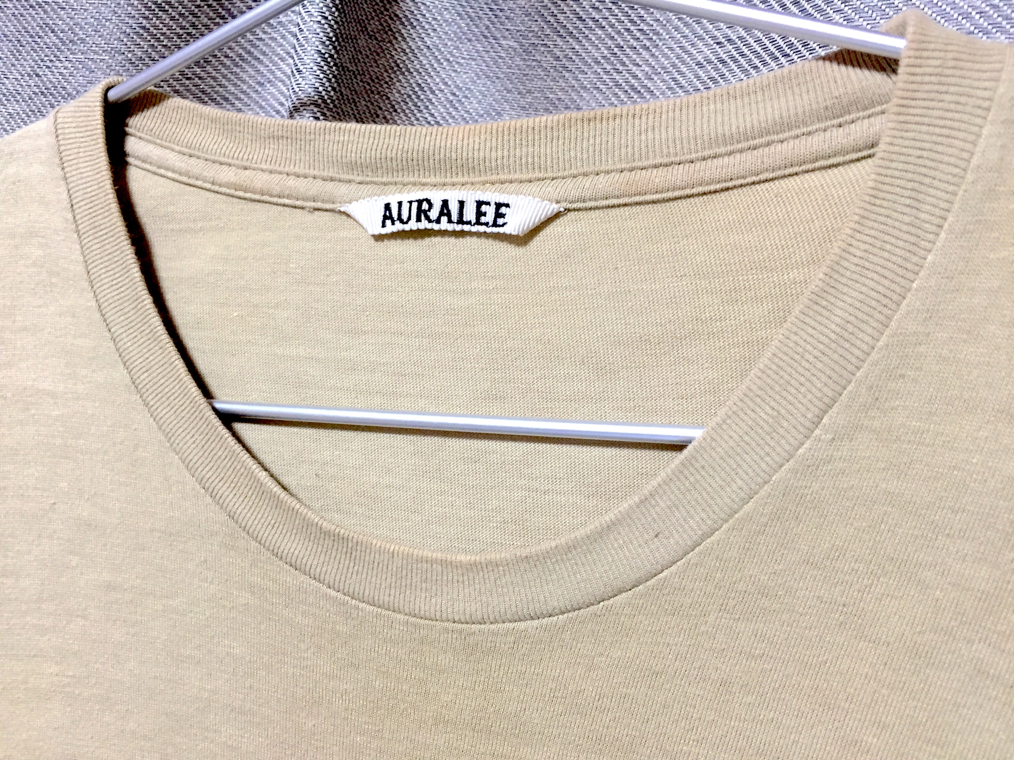 1年着用したAURALEEのシームレスカットソー