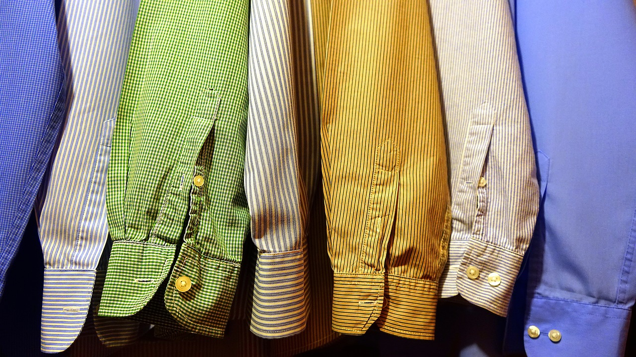 夏に着る長袖選びのポイント