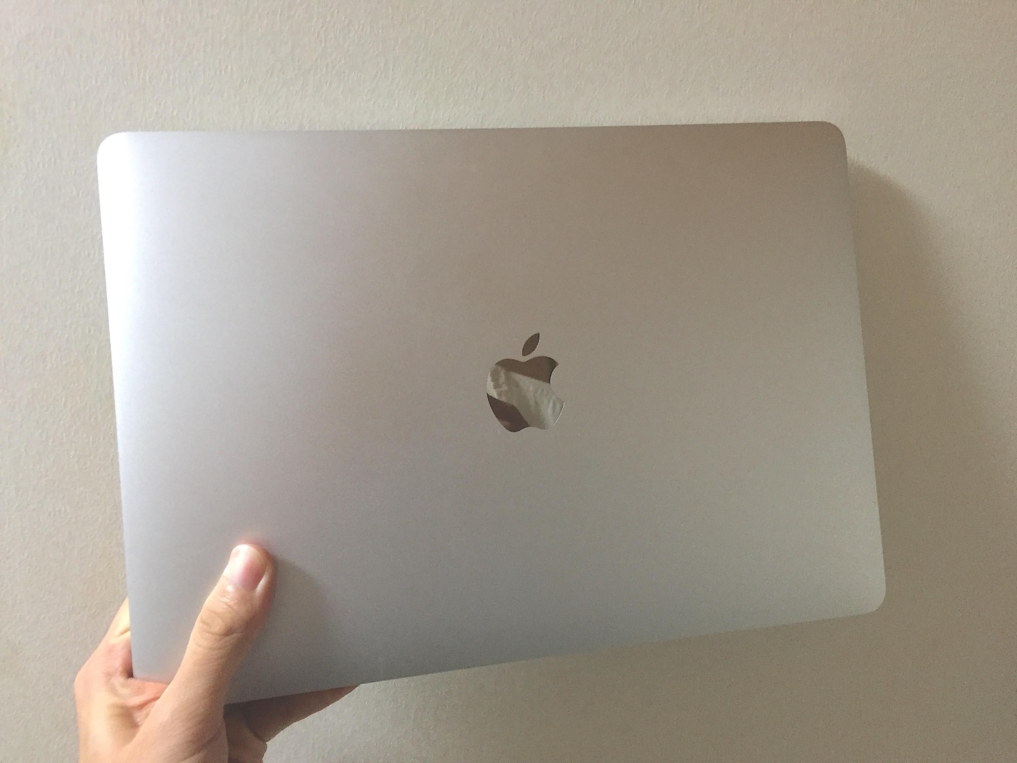 ミニマリストのMacBook