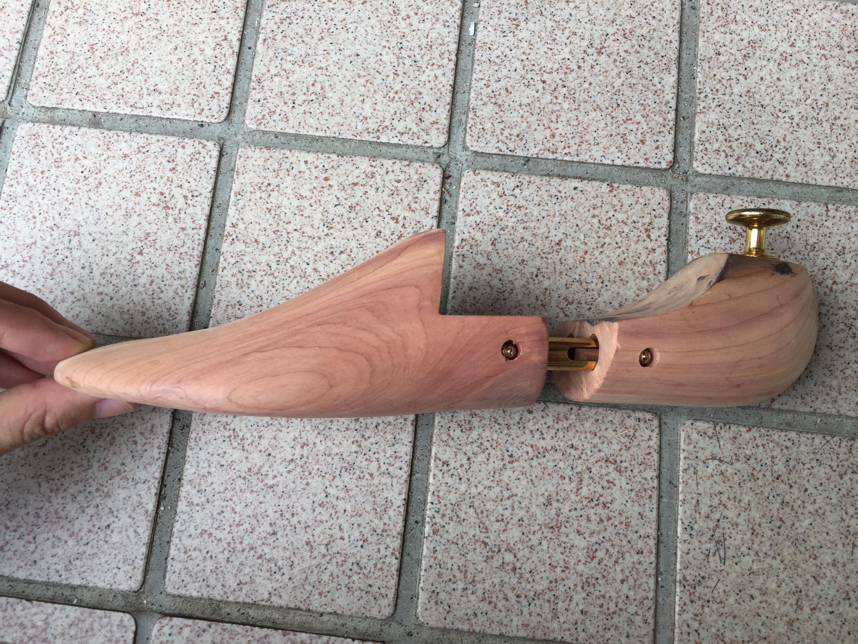 Amazonの木製シューキーパー