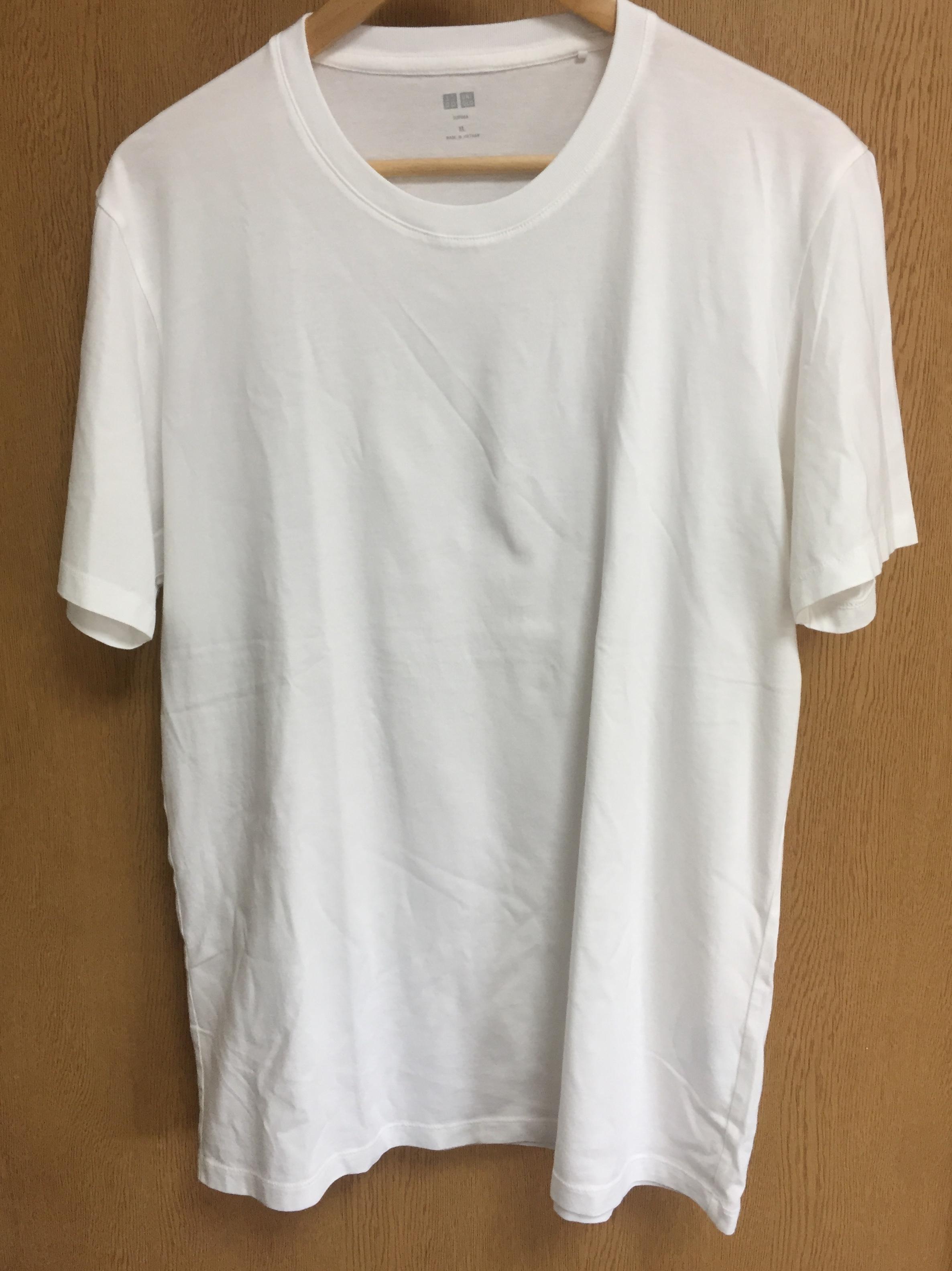 ユニクロのスーピマコットンクルーネックT(白Tシャツ)