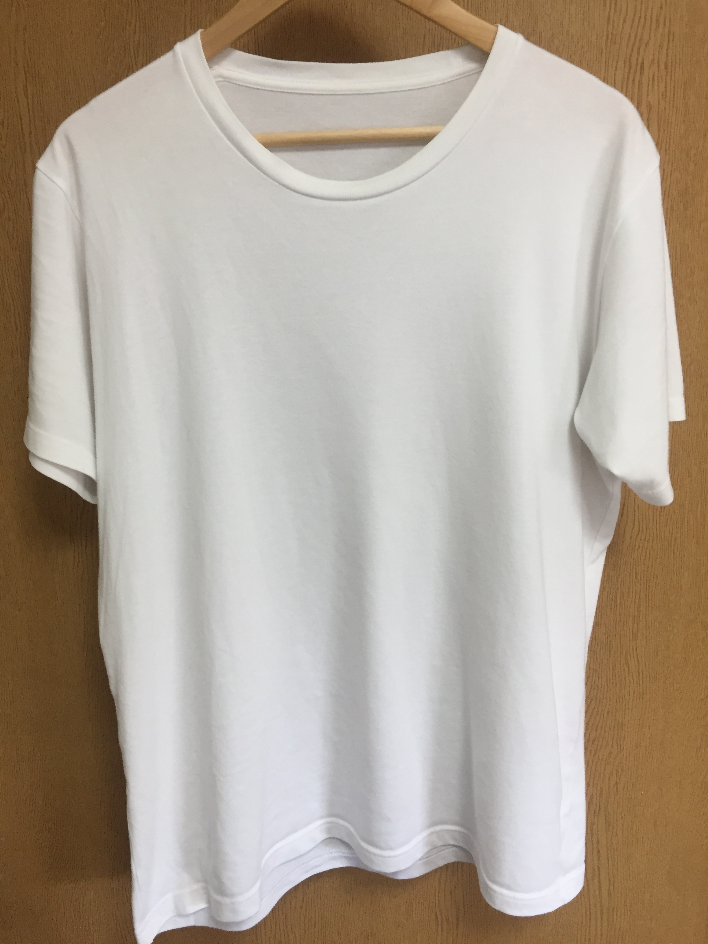 ユニクロのパックTシャツ