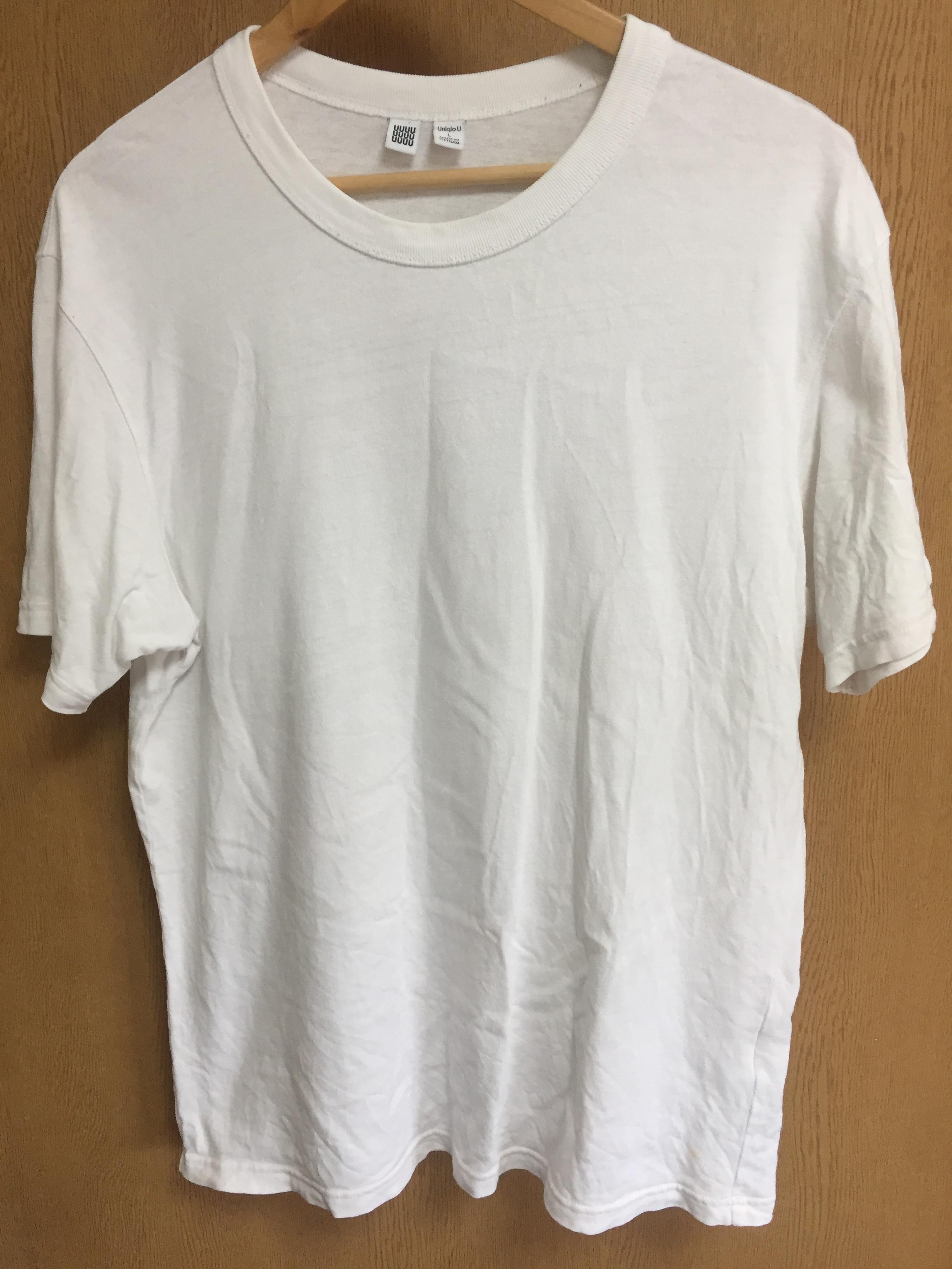 ユニクロUのクルーネックTシャツ