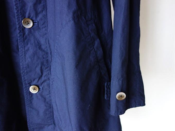 マニュアルアルファベットの薄手のコート