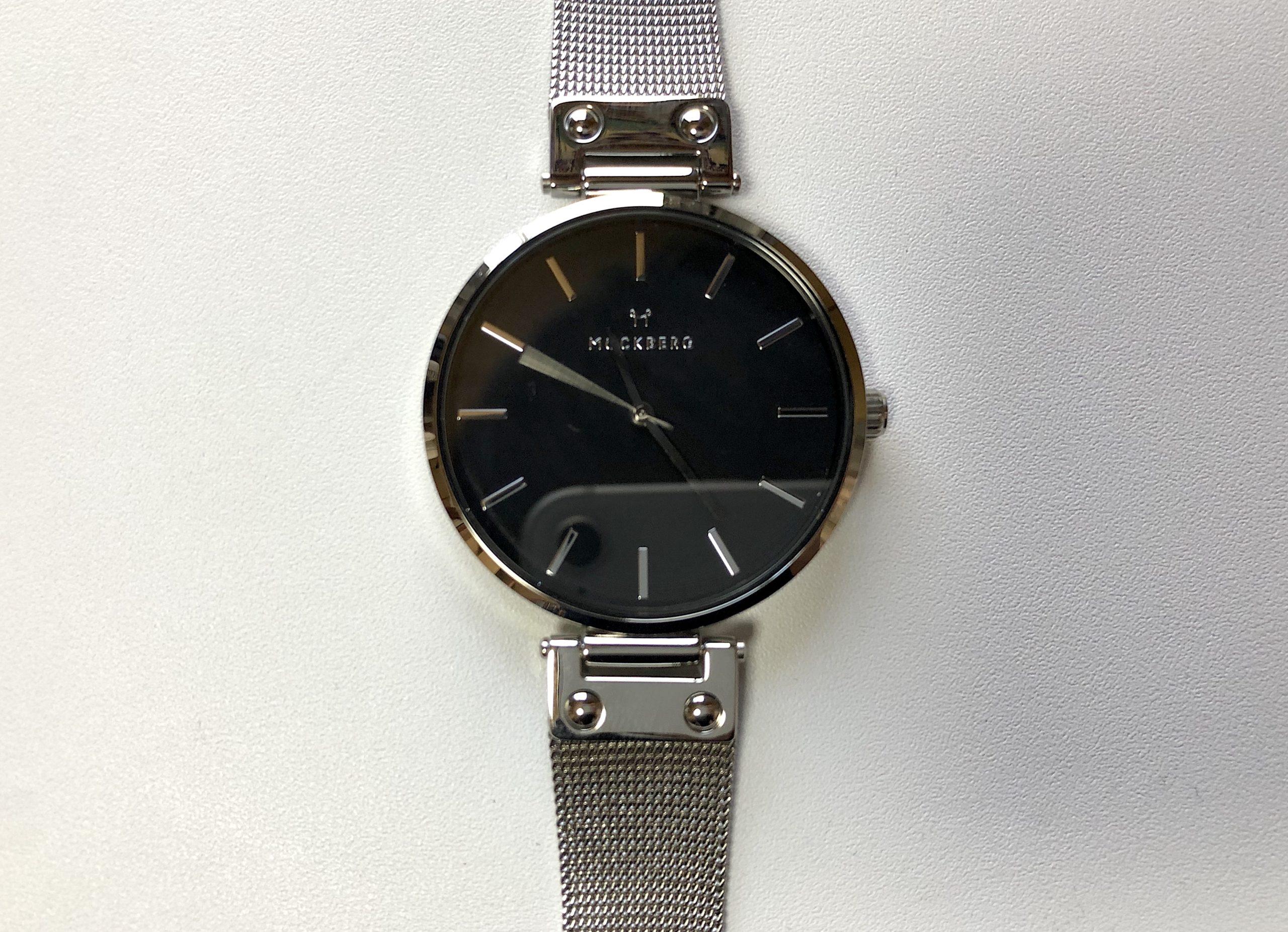 モックバーグの腕時計の文字盤