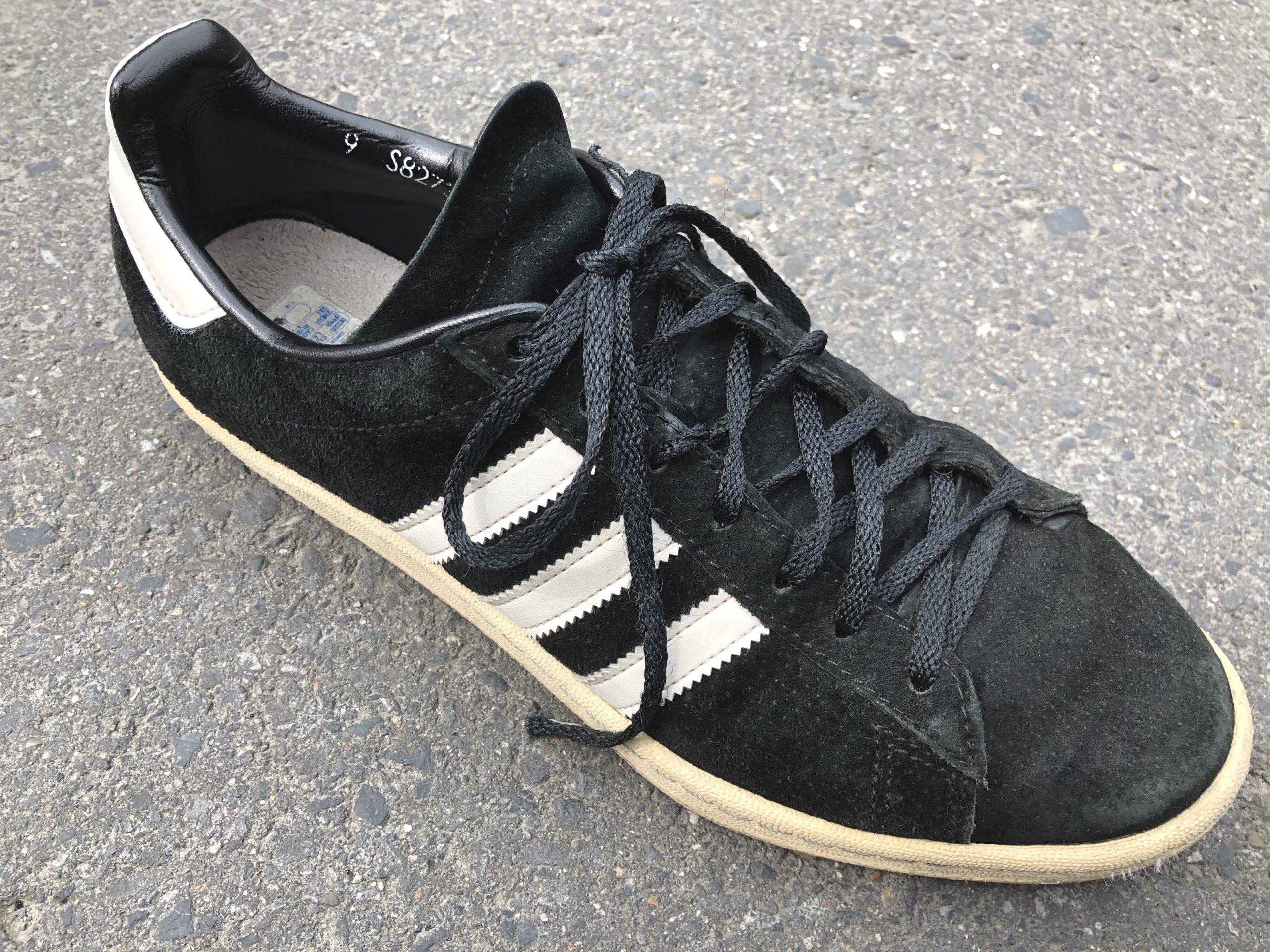 アディダスのキャンパスのデフォルトの靴紐状態