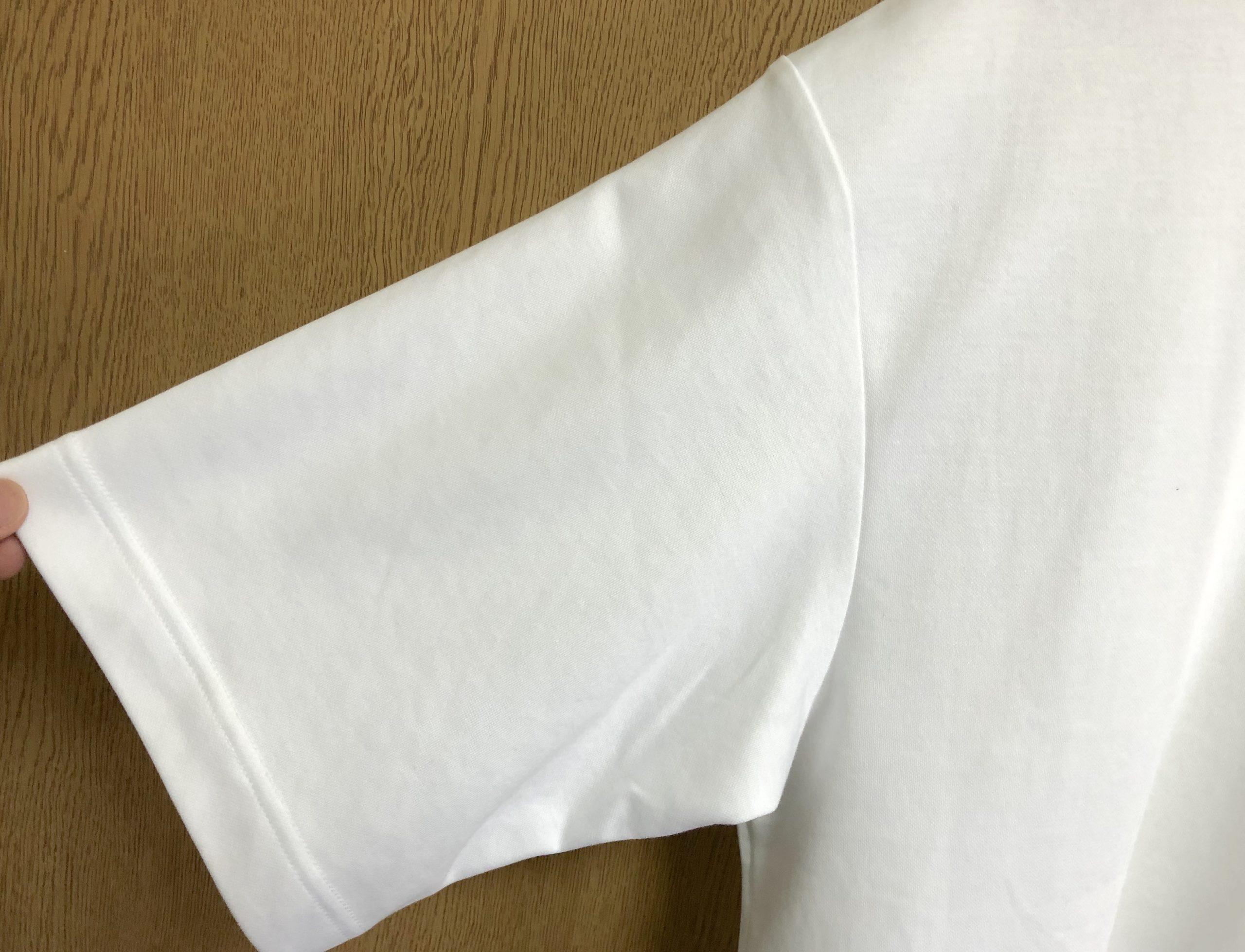 ユニクロUのエアリズムコットンオーバーサイズTシャツのシルエット