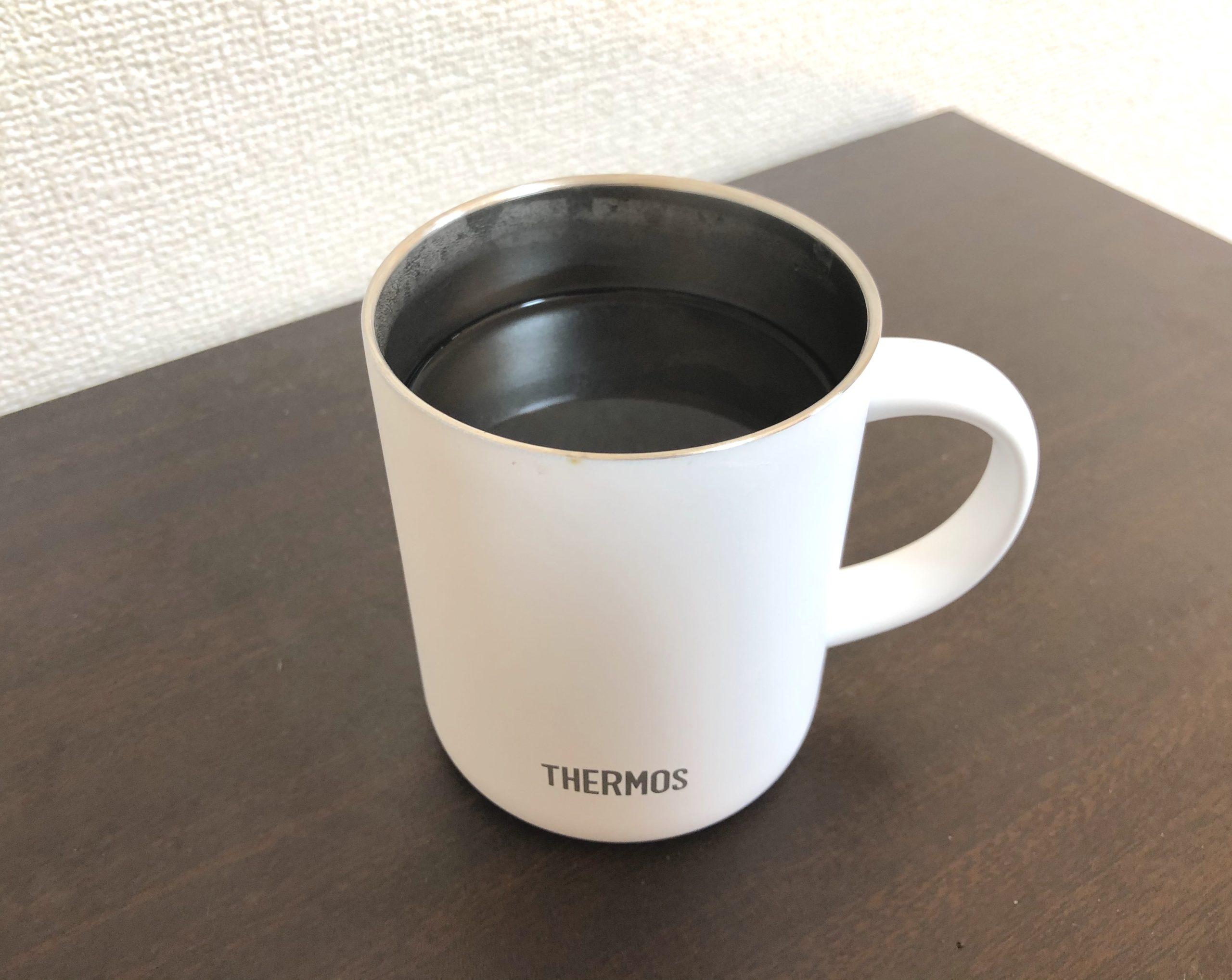 サーモスの真空断熱マグカップ350mlとコーヒー